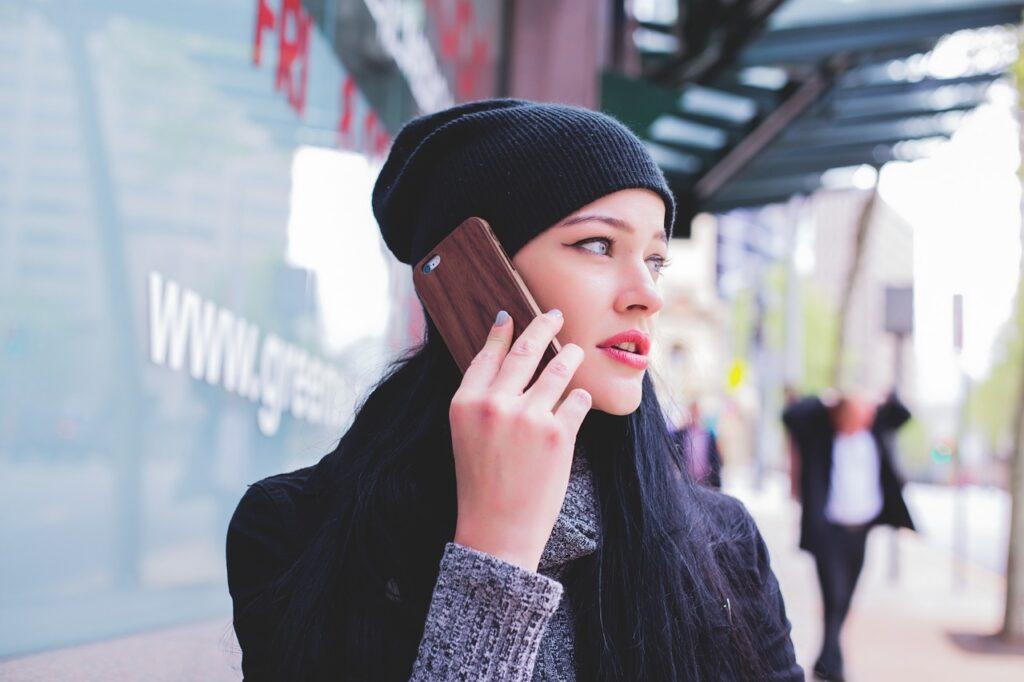 girl, phone, talking-1245713.jpg