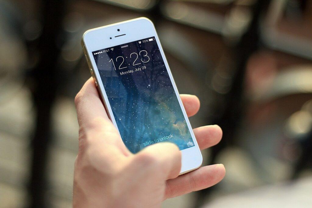 iphone, smartphone, apps-410324.jpg