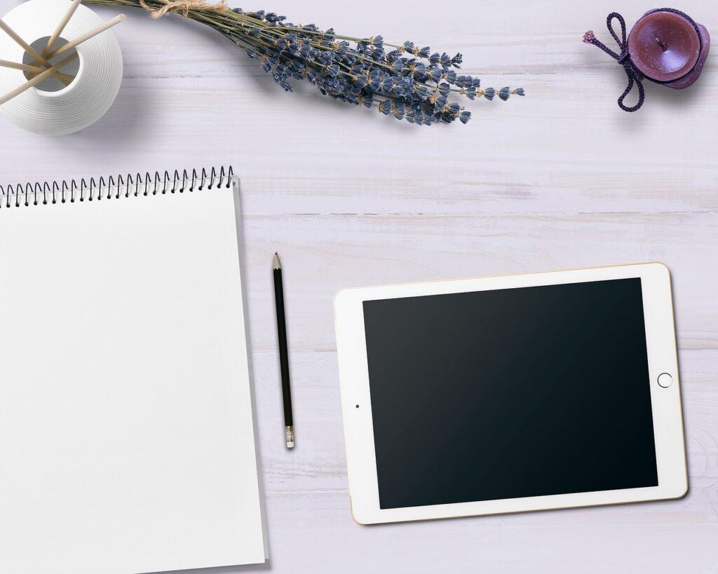 notepad, tablet, table-3299127.jpg