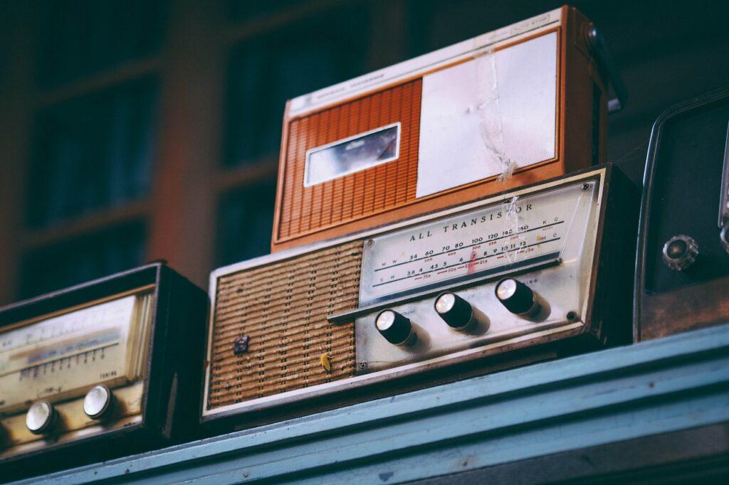 radio, old, vintage-2974649.jpg